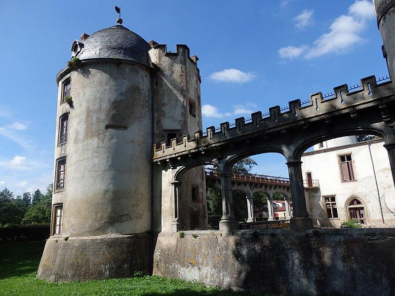 Photo du Monument Historique Château de Saint-Cirgues situé à Saint-Cirgues-sur-Couze