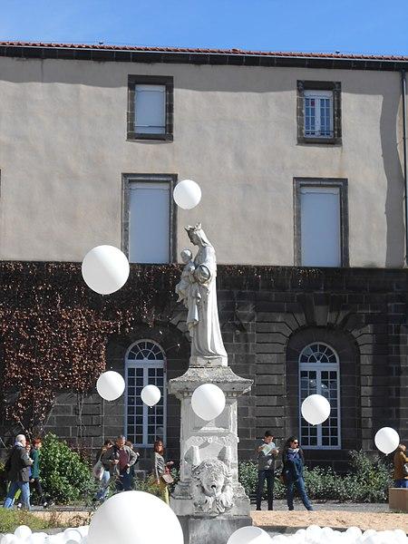 Photo du Monument Historique Hôtel-Dieu situé à Clermont-Ferrand