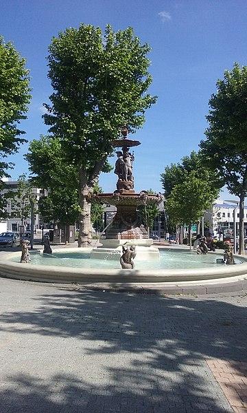 Photo du Monument Historique Fontaine Delille situé à Clermont-Ferrand