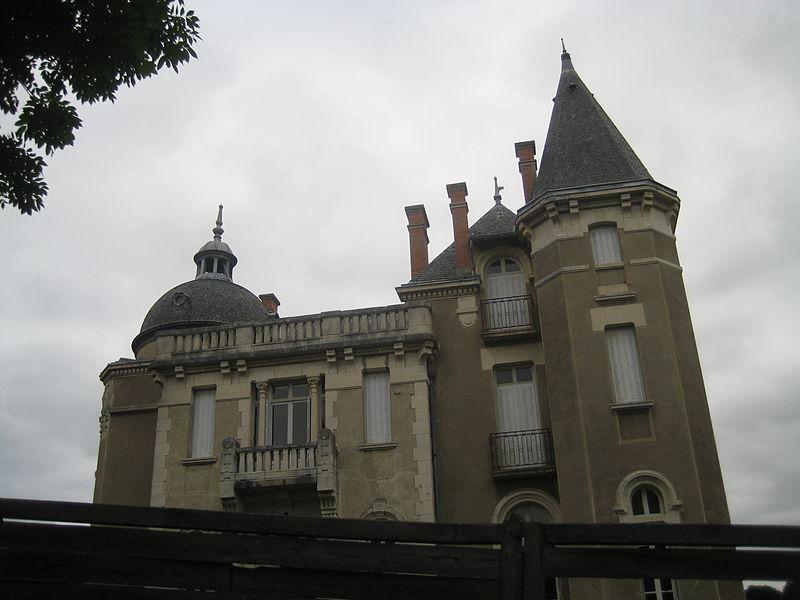 """Photo du Monument Historique Villa """" le Paradou """" situé à Châtel-Guyon"""