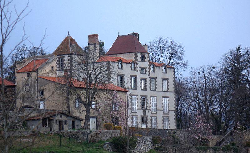 Photo du Monument Historique Château de Saint-Genès-l'Enfant situé à Malauzat