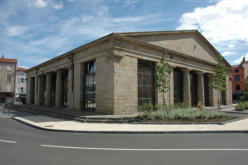 Photo du Monument Historique Halle aux blés situé à Issoire