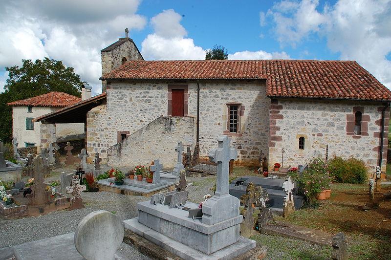 Photo du Monument Historique Eglise Saint-André-de-Bascassan situé à Ahaxe-Alciette-Bascassan