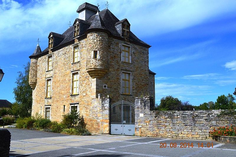 Photo du Monument Historique Château d'Aren situé à Aren