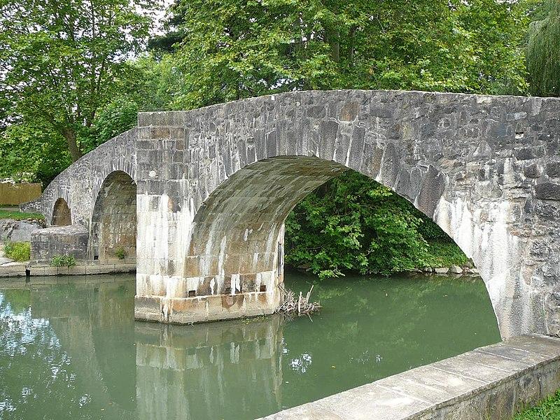 Photo du Monument Historique Pont sur la Nivelle dit Pont Romain situé à Ascain