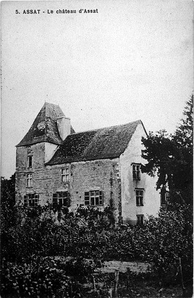 Photo du Monument Historique Château situé à Assat