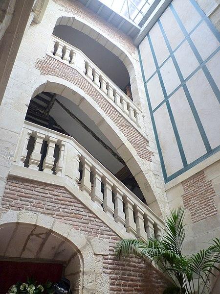 Photo du Monument Historique Hôtel de Belzunce situé à Bayonne