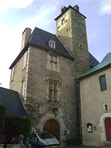 Photo du Monument Historique Château situé à Béost