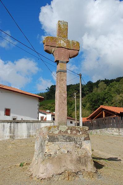 Photo du Monument Historique Croix de carrefour de Sarrasquette situé à Bussunarits-Sarrasquette