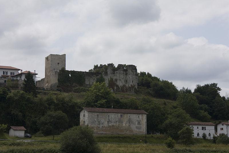 Photo du Monument Historique Château de Guiche situé à Guiche