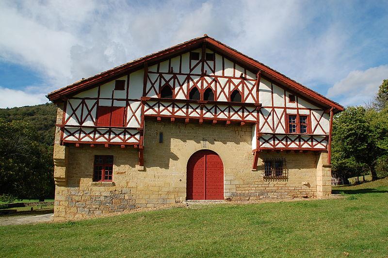 Photo du Monument Historique Maison Basque dite la salle d'Etchepare situé à Ibarrolle