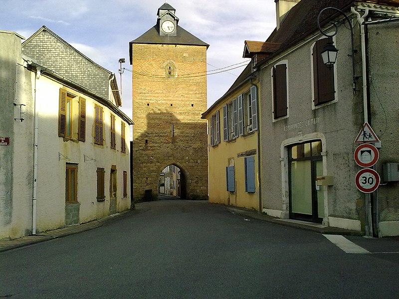 Photo du Monument Historique Porte de ville situé à Lembeye