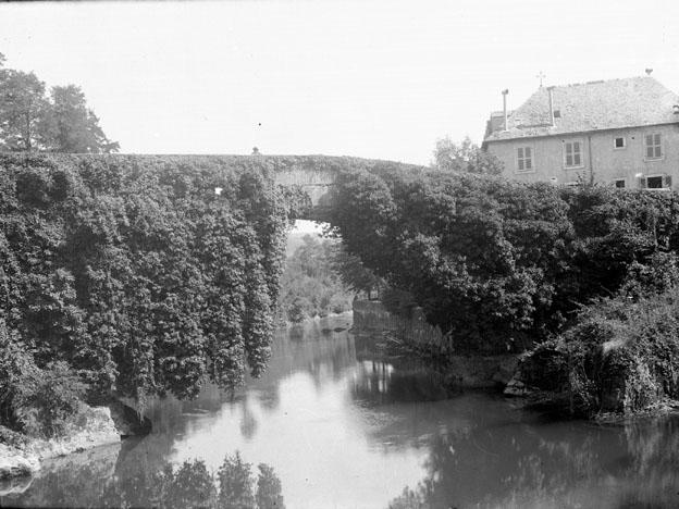 Photo du Monument Historique Pont de Betharram situé à Lestelle-Bétharram