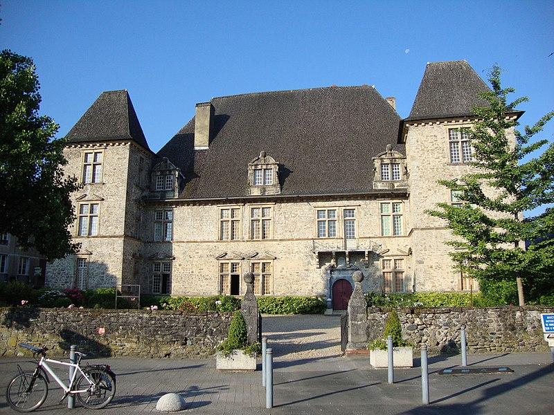Photo du Monument Historique Château de Maytie dit d'Andurain situé à Mauléon-Licharre
