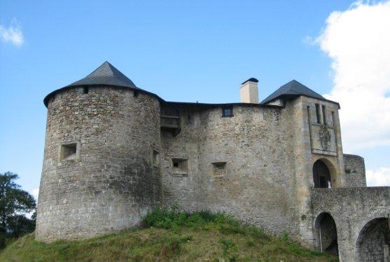 Photo du Monument Historique Vieux Château de Mauléon situé à Mauléon-Licharre