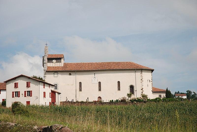 Photo du Monument Historique Eglise Saint-Cyprien situé à Mendionde