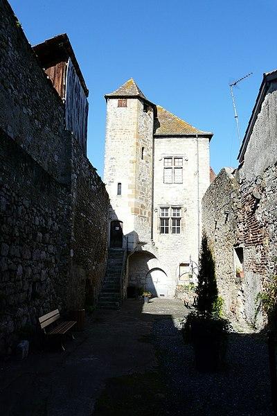 Photo du Monument Historique Maison dite Hôtel de la Lune situé à Orthez