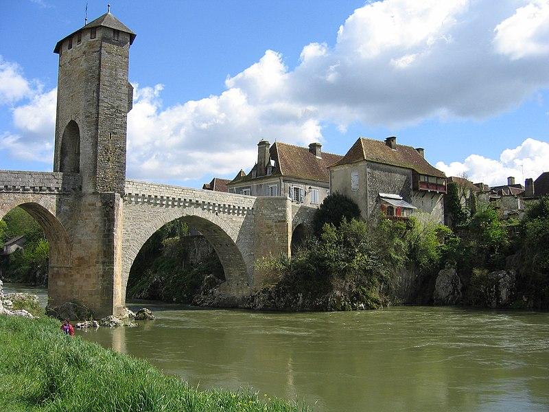 Photo du Monument Historique Vieux Pont situé à Orthez