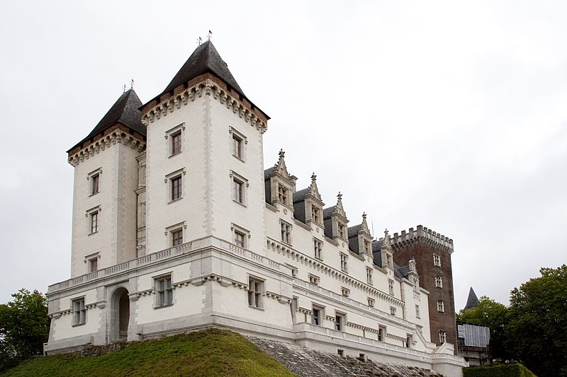 Photo du Monument Historique Domaine national du château de Pau ou château Henri IV situé à Pau