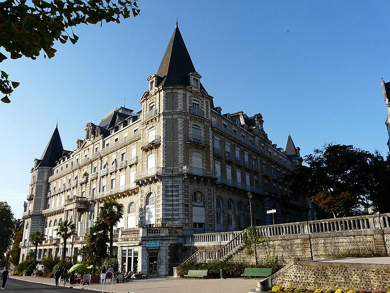 Photo du Monument Historique Ancien Hôtel de Gassion, actuellement cercle de jeux situé à Pau