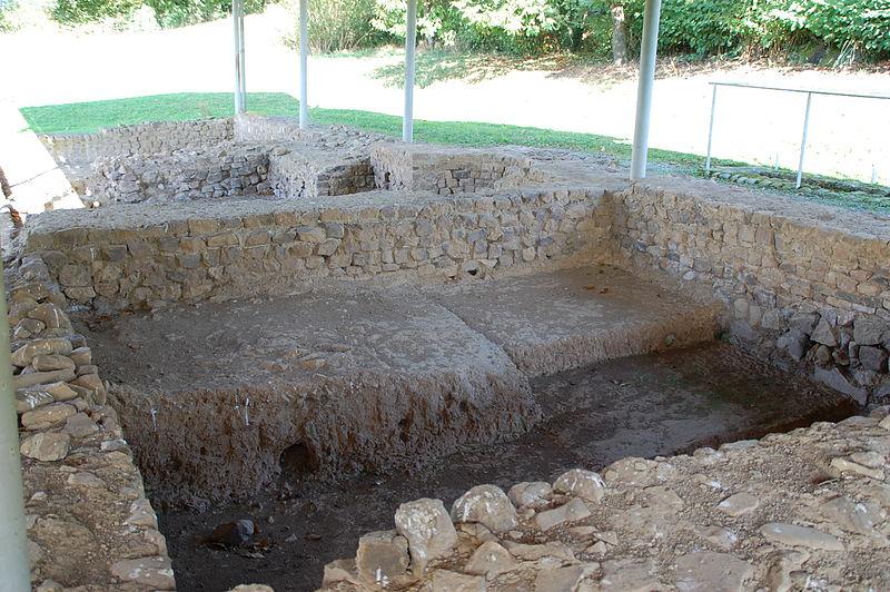 Photo du Monument Historique Camp romain et vicus routier situé à Saint-Jean-le-Vieux