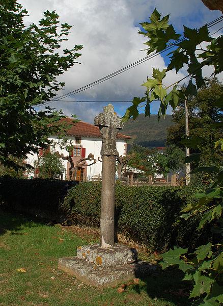 Photo du Monument Historique Croix de la Madeleine situé à Saint-Jean-le-Vieux