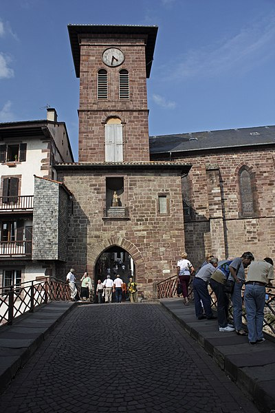 Photo du Monument Historique Eglise de l'Assomption de la Vierge situé à Saint-Jean-Pied-de-Port