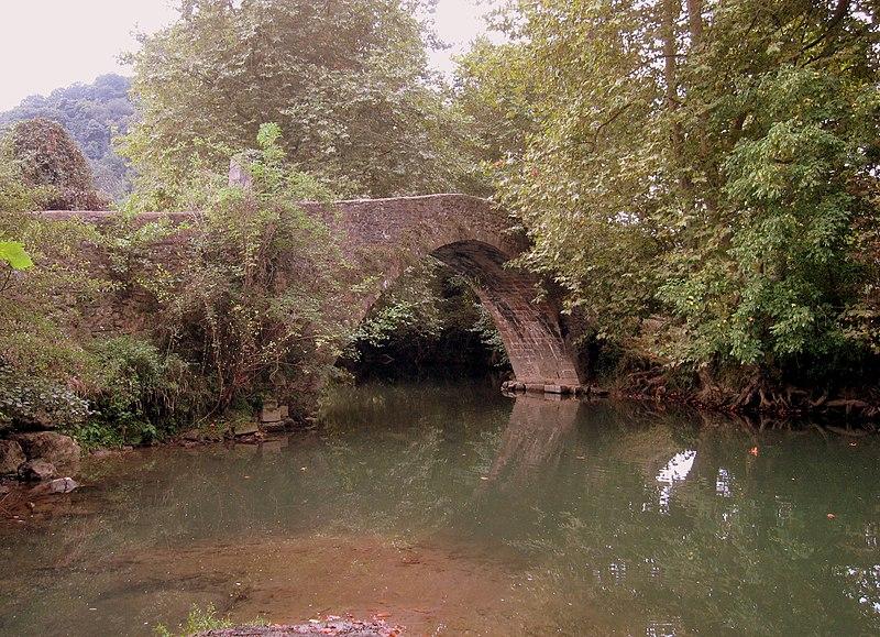 Photo du Monument Historique Pont d'Ibarron situé à Saint-Pée-sur-Nivelle