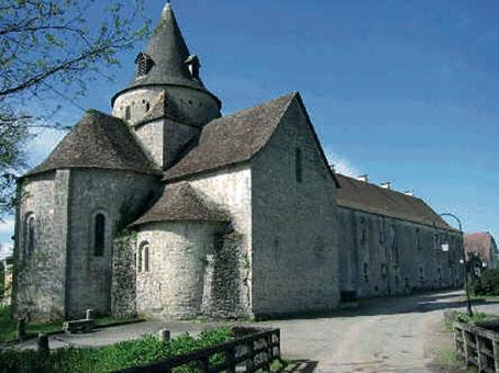 Photo du Monument Historique Eglise et son clocher situé à Sauvelade
