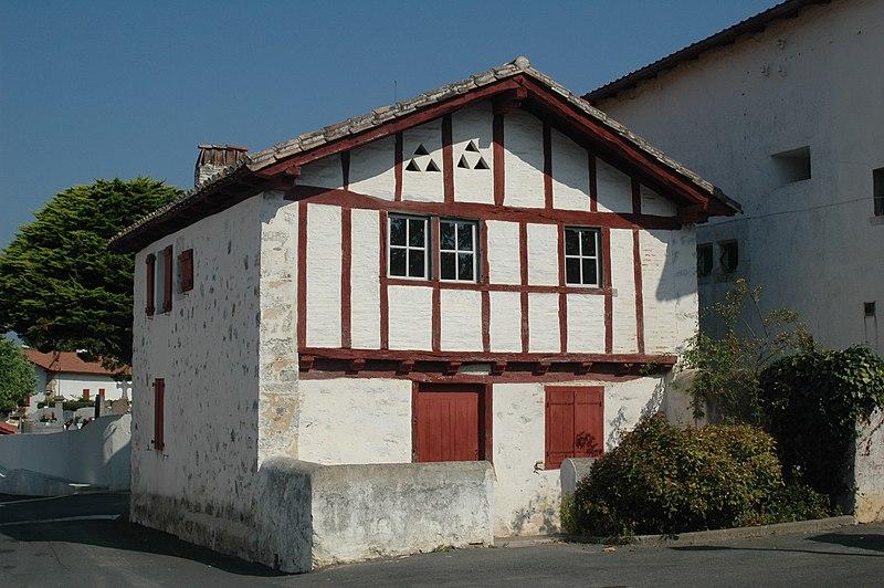 Photo du Monument Historique Ancienne benoiterie d'Arbonne situé à Arbonne