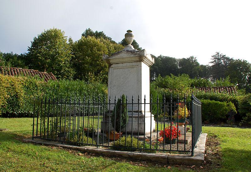 Photo du Monument Historique Cimetière situé à Lacarre