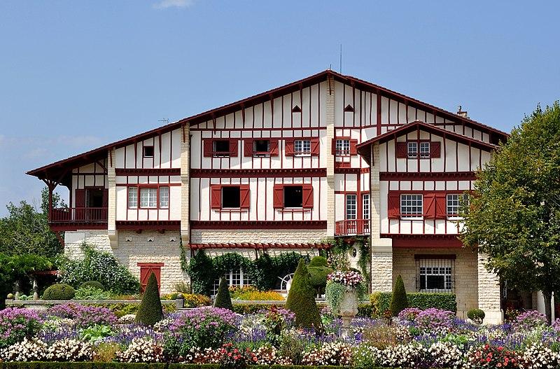 Photo du Monument Historique Villa Arnaga, actuellement musée Rostand situé à Cambo-les-Bains