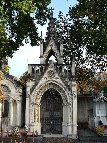 Photo du Monument Historique Chapelle funéraire Guillemin-Montebello dans le Grand Cimetière situé à Pau
