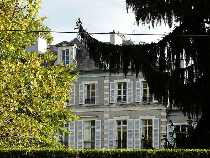 Photo du Monument Historique Villa Sainte-Hélène, actuellement résidence du préfet de département situé à Pau