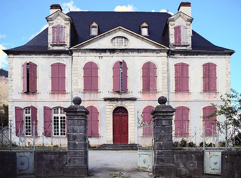 Photo du Monument Historique Château de Bielle situé à Bielle