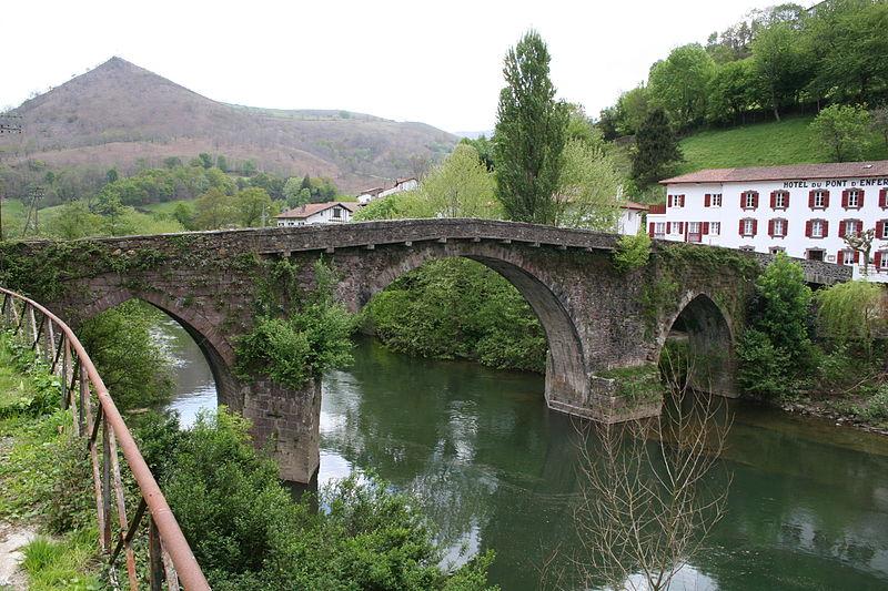Photo du Monument Historique Pont Noblia sur la Nive situé à Bidarray