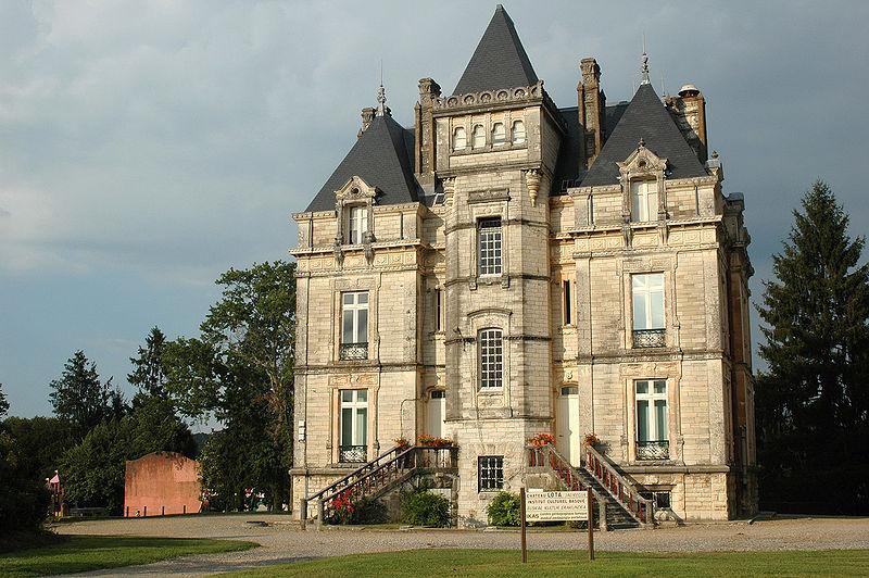Photo du Monument Historique Château Lota situé à Ustaritz