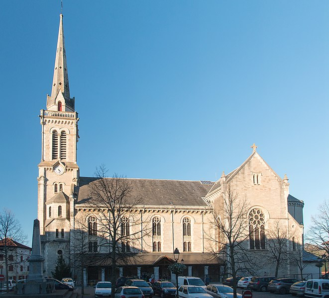 Photo du Monument Historique Eglise Saint-Jean-Baptiste situé à Hasparren