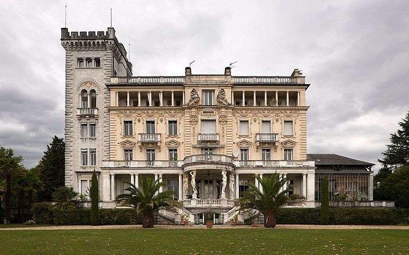 Photo du Monument Historique Palais Sorrento, dit aussi Castet de l'Array situé à Pau