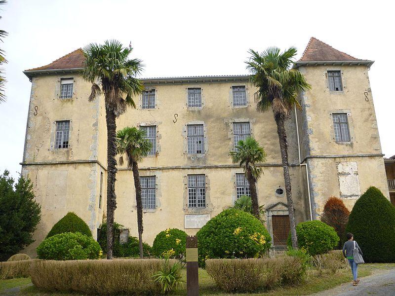 Photo du Monument Historique Château de Garro situé à Mendionde