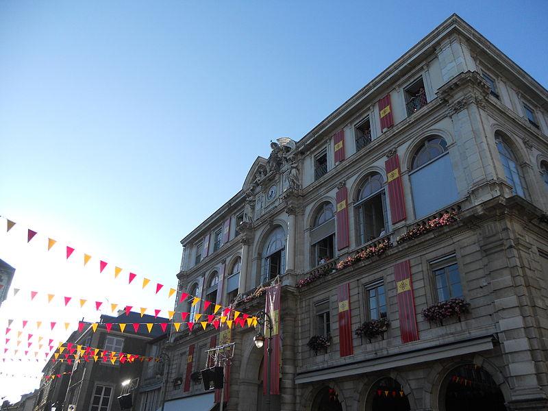 Photo du Monument Historique Mairie-théâtre situé à Pau