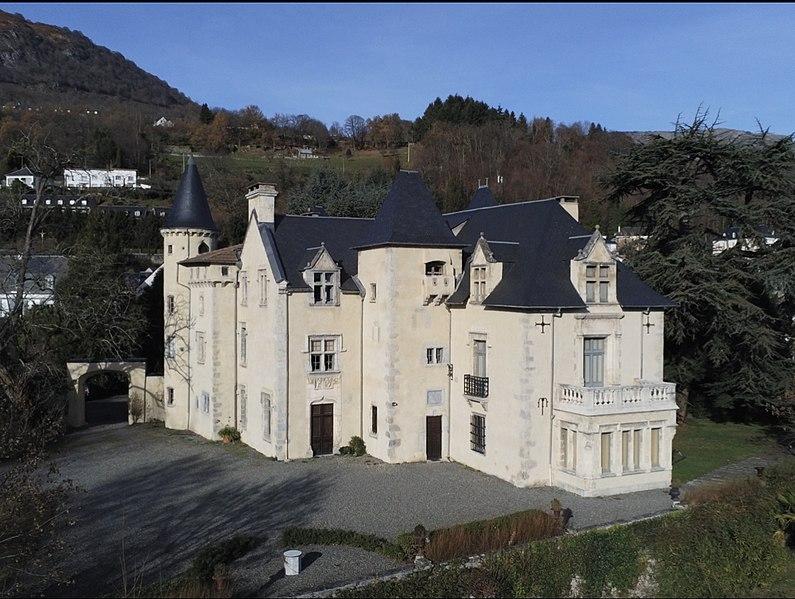 Photo du Monument Historique Château d'Ourout situé à Argelès-Gazost