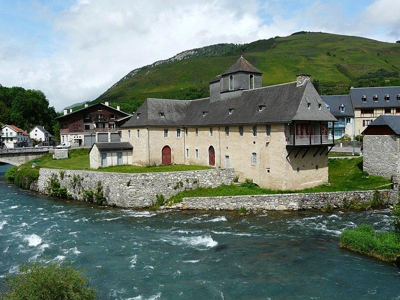 Photo du Monument Historique Château de Camon ou Château des Nestes situé à Arreau