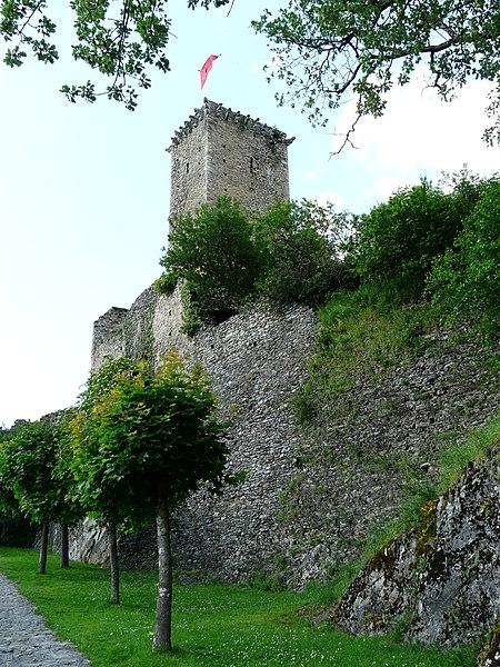 Photo du Monument Historique Restes du château situé à Beaucens
