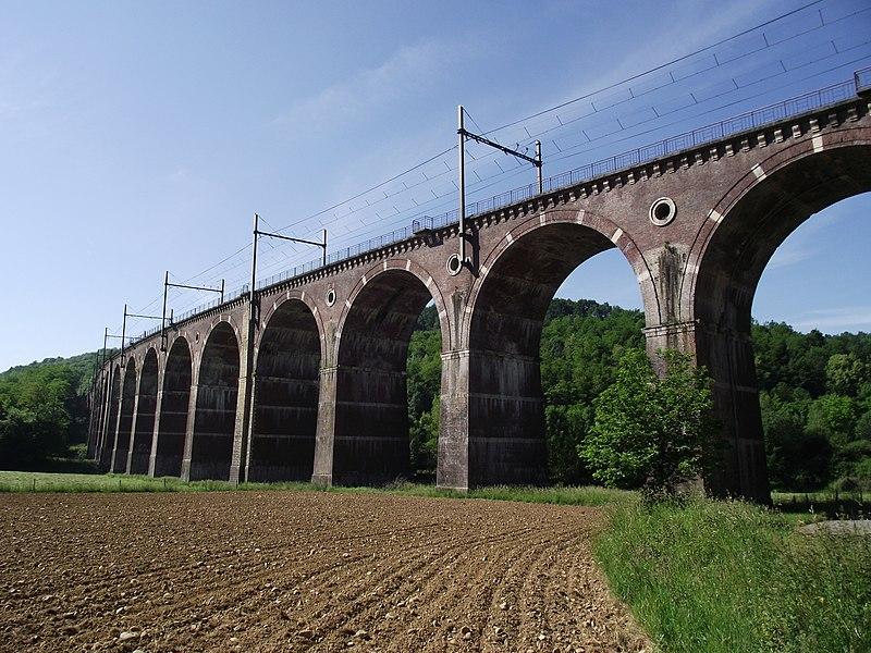 Photo du Monument Historique Viaduc de Lanespède (également sur communes de Lanespède et Père) situé à Bégole