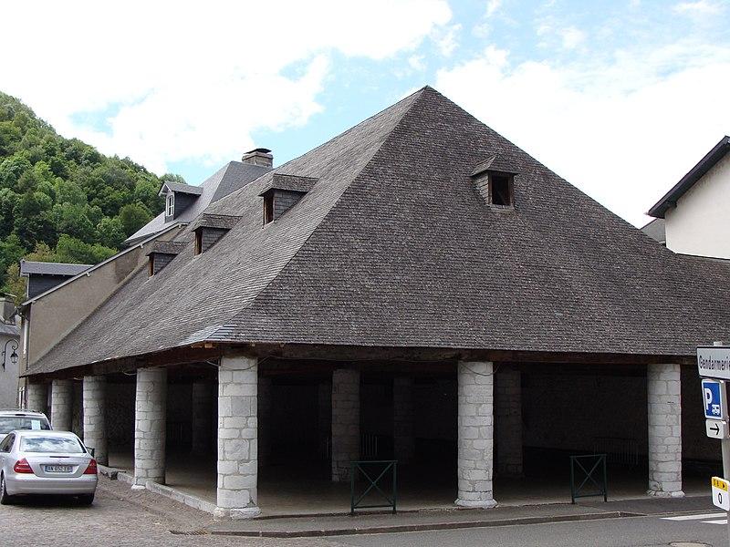 Photo du Monument Historique Halle situé à Campan