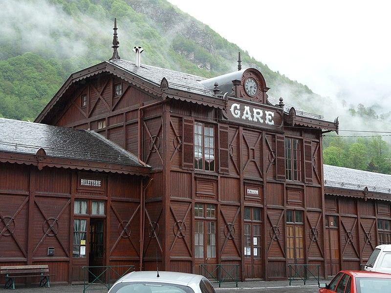 Photo du Monument Historique Ancienne gare situé à Cauterets