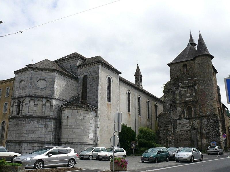 Photo du Monument Historique Eglise Saint-Pierre situé à Saint-Pé-de-Bigorre