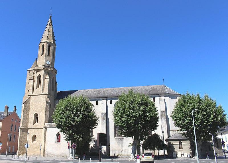 Photo du Monument Historique Eglise Sainte-Thérèse ou des Carmes situé à Tarbes