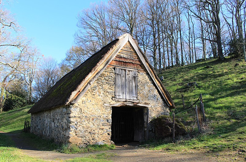 Photo du Monument Historique Bergerie Sainte-Bernadette situé à Bartrès